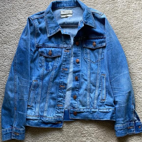 Like new Madewell denim jacket